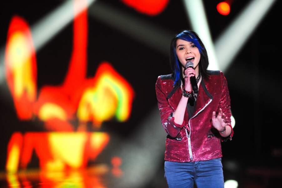 Sophie-Tith a réussi la performance d'accorder la couleur de son pantalon à celle de ses cheveux...