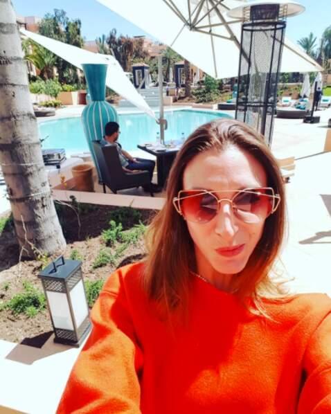 Sa consœur Silvia Notargiacomo risque d'avoir un peu chaud en pull à Marrakech.