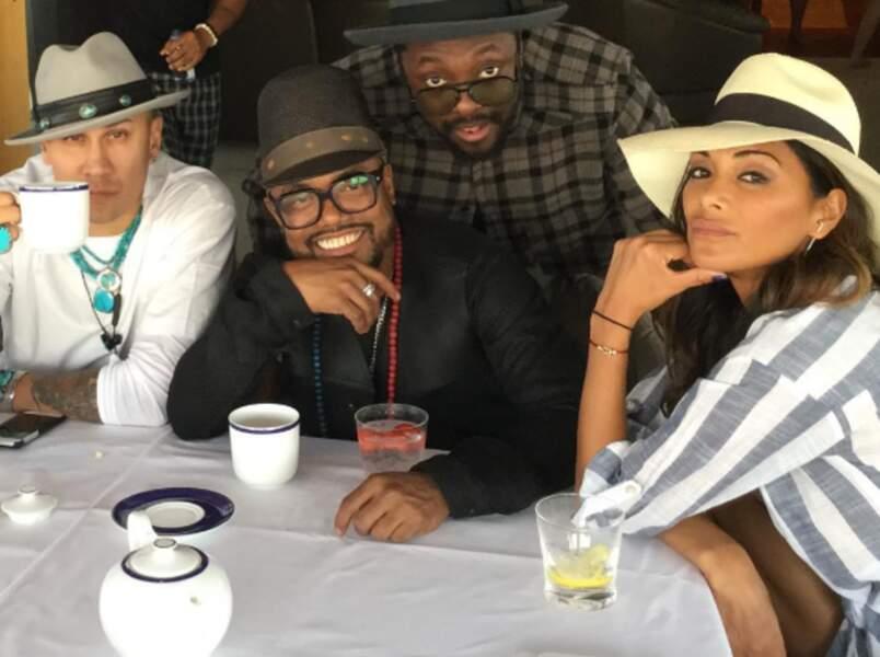 ... avec ses copains des Black Eyed Peas !