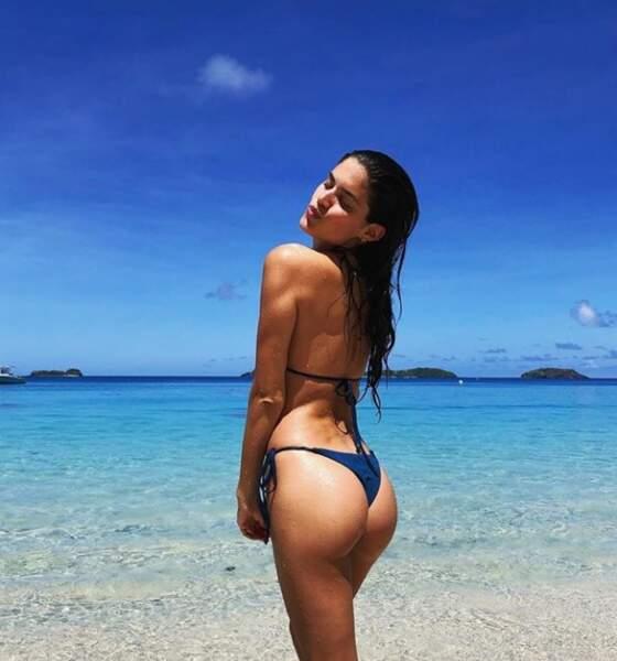 Ou encore la sulfureuse Sara Sampaio, qui fait bronzette aux îles Fidji