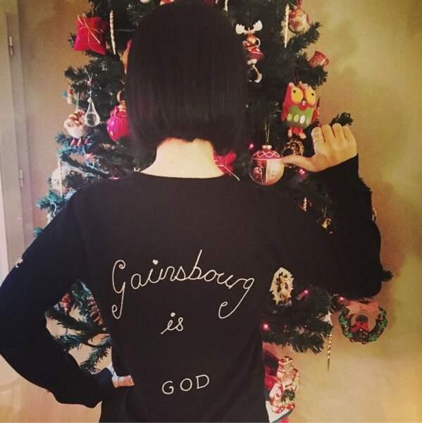 Sympa le pull qu'Alizée a reçu pour Noël ! Un cadeau de Grégoire Lyonnet ?
