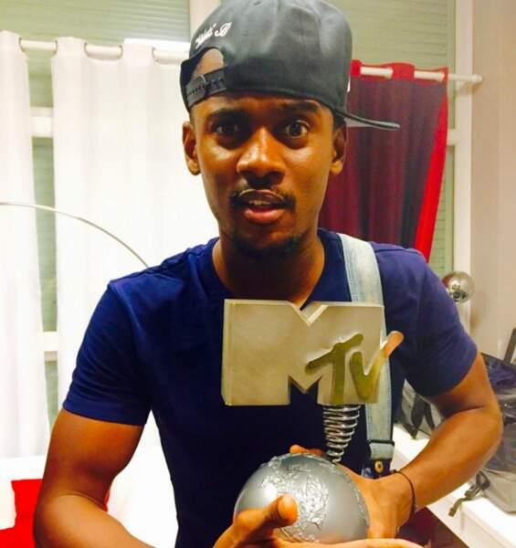 Le saviez-vous : Black M a reçu un MTV Europe Music Award en tant que meilleur artiste masculin !