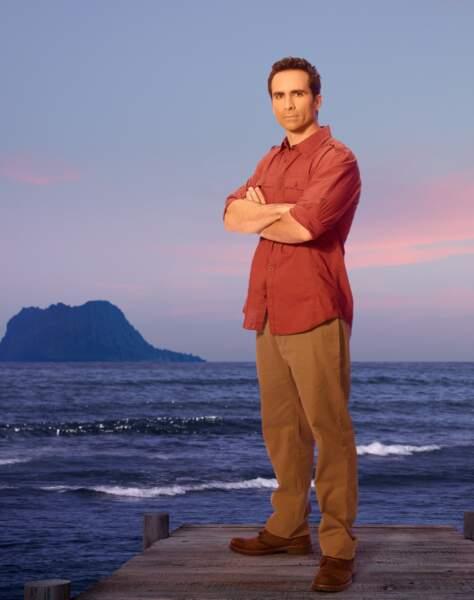 Richard Alpert (Nestor Carbonell), l'homme qui ne vieillit pas. Un des nombreux mystères de Lost jamais résolu