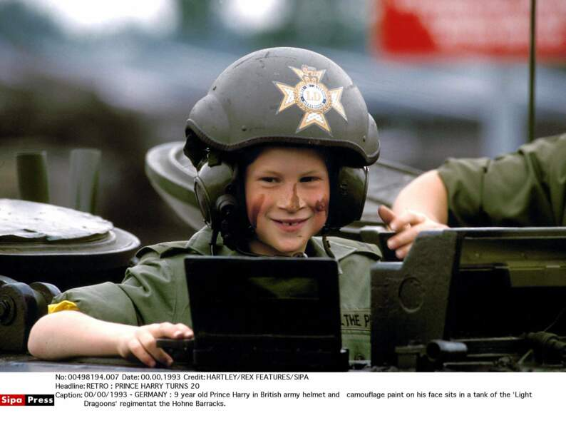 Le Prince  Harry, 9 ans jeune soldat de l'Armée Britannique !