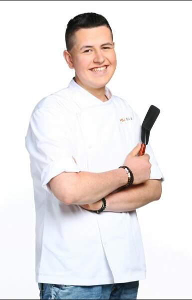 Charles Gantois a 20 ans et est commis de cuisine. Il a remporté Objectif Top Chef
