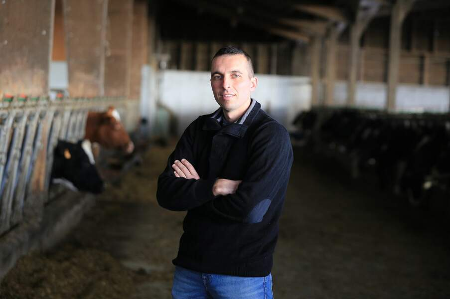Voici Sébastien, 37 ans, qui travaille en Normandie