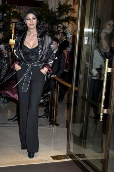 Et Monica Bellucci était présente en toute décontraction, mains dans la popoche !