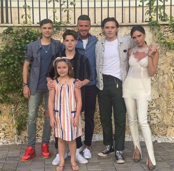 Photo de famille pour les Beckham.