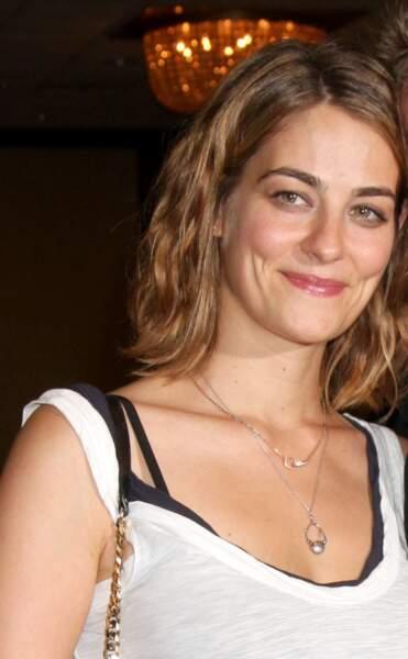 Clementine Ford a interprété à son tour la petite-fille de Katherine Chancellor de 2009 à 2010