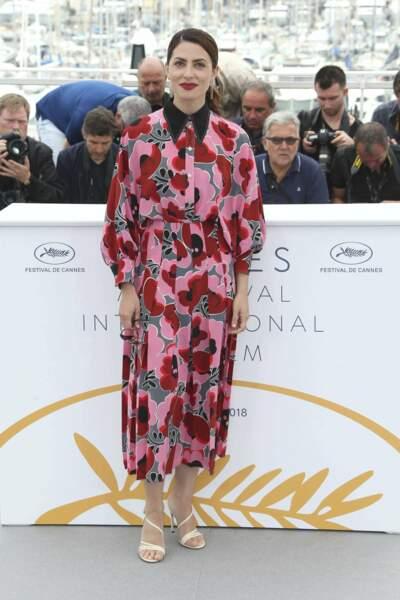 Entre acheter une robe à 11 millions d'euros ou récupérer les rideaux de mémé, Barbara Lennie a choisi