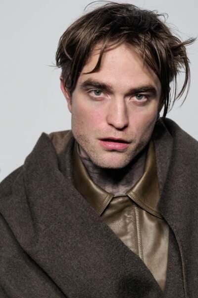 Robert Pattinson, craquant au photocall de Dior Homme