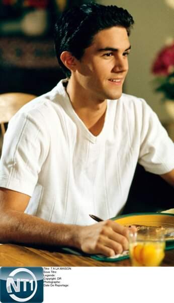 Vous vous souvenez de Robbie Palmer ? Le boyfriend de Mary...