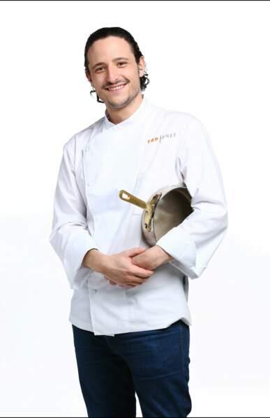 Pierre Meneau, 29 ans, est chef de son restaurant à Paris.