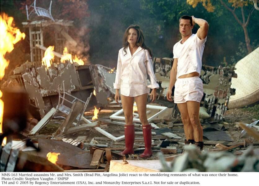 Lors du tournage en 2005 de Mr & Mrs Smith, la brune fait chavirer le coeur de Brad Pitt (alors marié)
