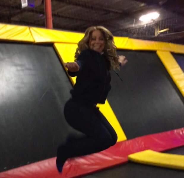 Ou Mariah Carey qui fait du trampoline.