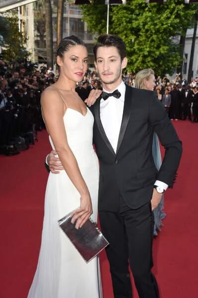 Pierre Niney est venu avec sa compagne, la sublime Natasha Andrews