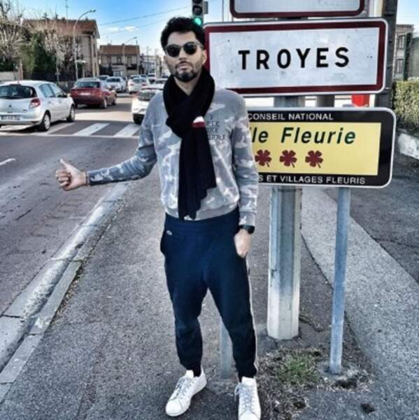 Quelqu'un sur la route de Troyes a de la place dans sa voiture ? C'est pour Tony Saint Laurent.