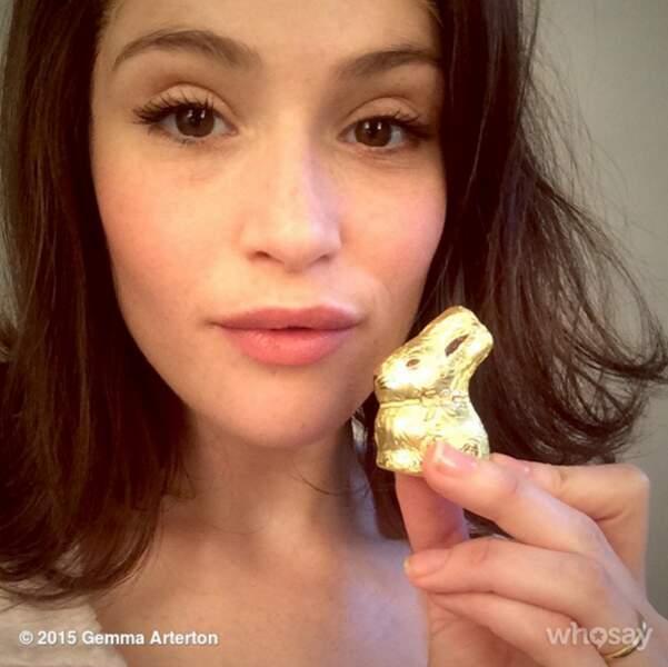 Un petit lapin de Pâques. Gemma aime visiblement le chocolat