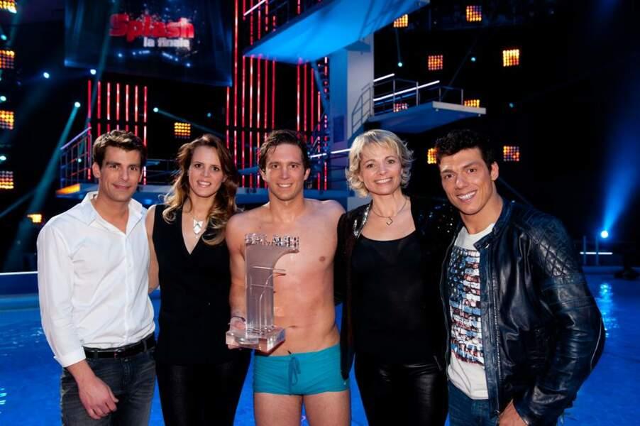 Le vainqueur et le jury de Splash, le grand plongeon