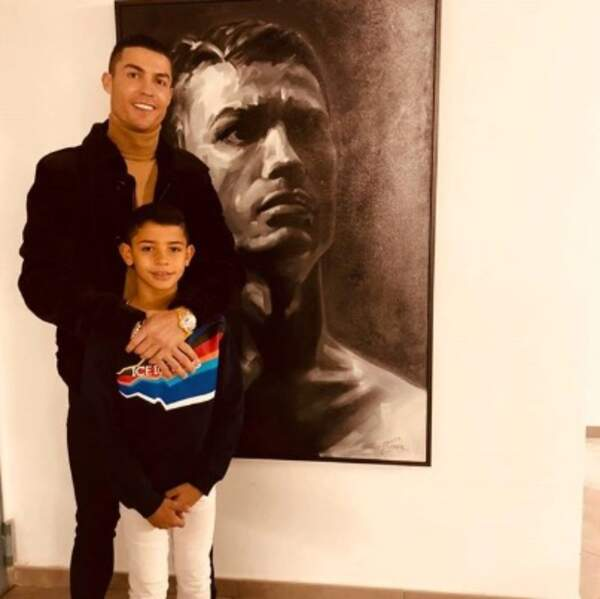 Trois Cristiano Ronaldo se trouvaient sur cette photo.