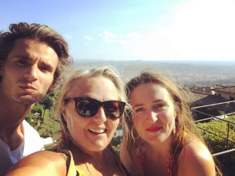 Et ça c'est Valérie Damidot avec ses enfants Norman et Roxanne.