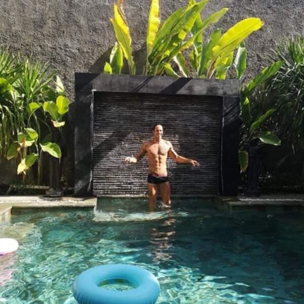 Frédérick Bousquet nous a montré ses 50 abdos à Bali.