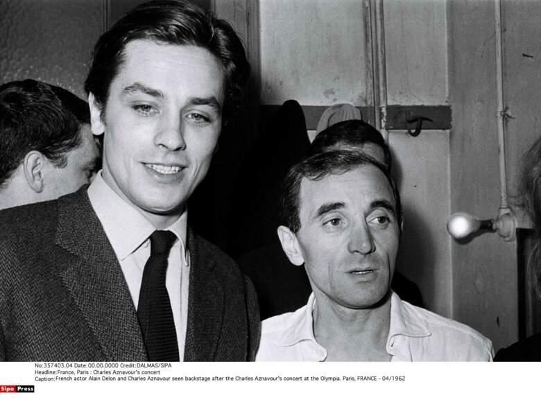 Avec Alain Delon en coulisses de son tour de chant à l'Olympia en 1962