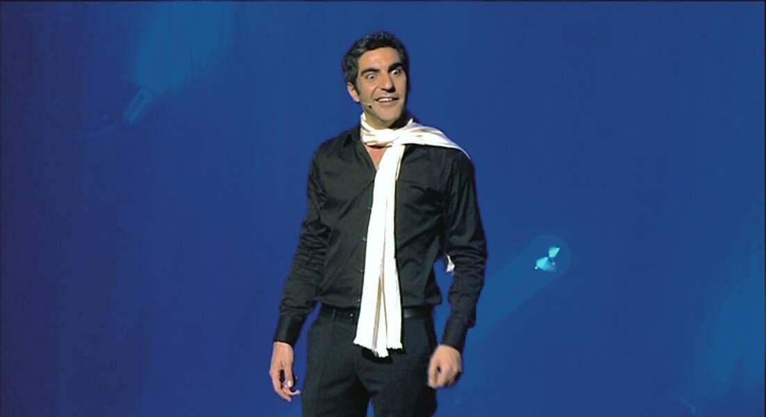 Ary Abittan dans son spectacle A la folie (2012)