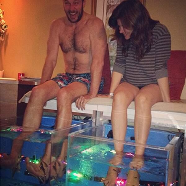 Que de LOL ! Brady et Tiffani font leur première fish pedicure ensemble.