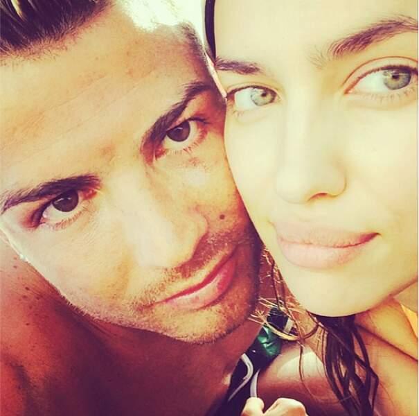 Alerte beau couple sur la plage, Irina Shayk et Cristiano Ronaldo -> On ne peut pas lutter !