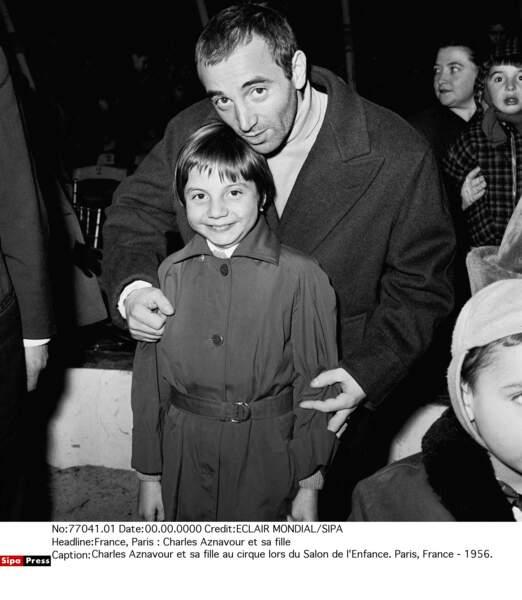 Charles Aznavour au cirque avec sa fille aînée Seda (alias Patricia) en 1956