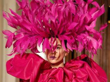 Paris Fashion Week : Marion Cotillard dévoile ses gambettes, Nabilla en mode militaire