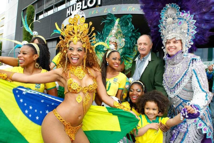 Mondial 2014 : Le sélectionneur de l'équipe brésilienne, Luis Felipe Scolari, plutôt bien entouré...