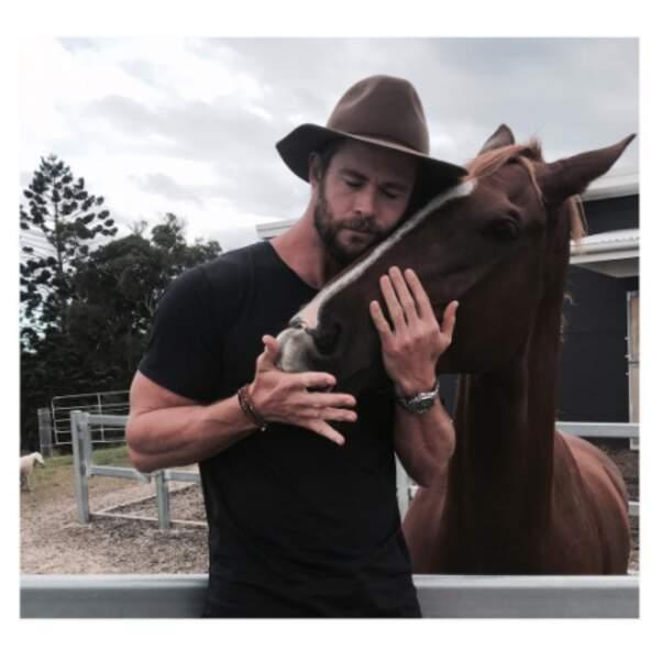 Chris Hemsworth a murmuré à l'oreille des chevaux.