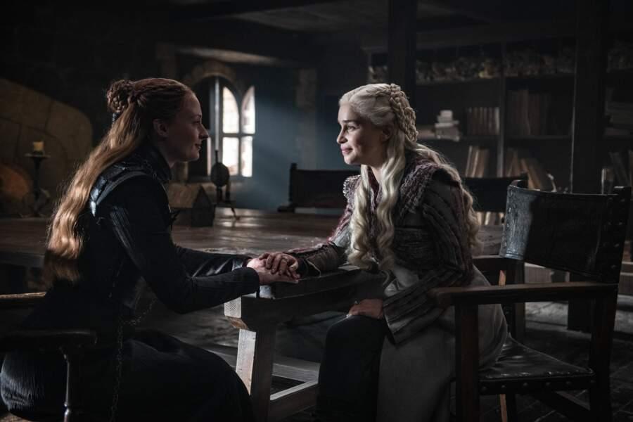 Daenerys tente de se rapprocher de Sansa…en vain !