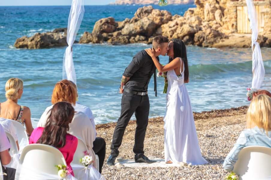 Emilia et Alexandre s'embrassent ! Quel beau mariage