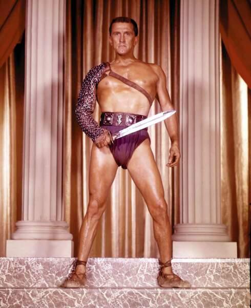 Kirk Douglas et son slip mythique dans Spartacus (1961)