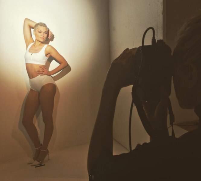 Pause sexy : dans les coulisses d'un shooting photo de Jessie J...