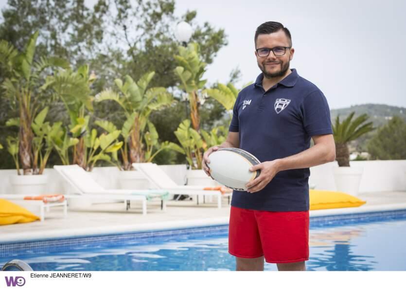"""Benoît, le fan de rugby est un prétendant qui cherche une femme """"aux formes généreuses"""""""