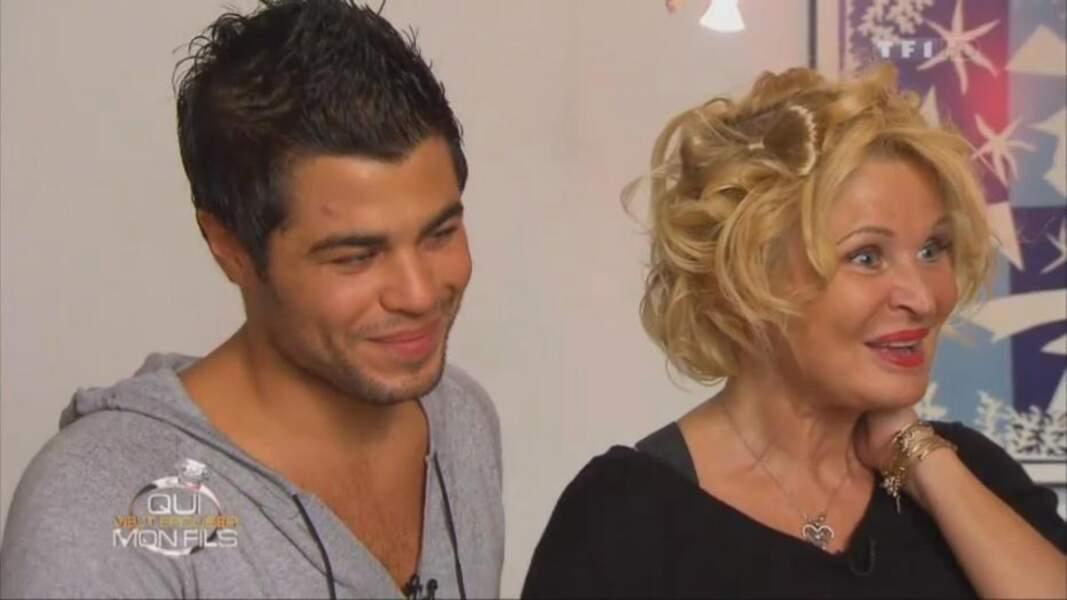 David est toujours célibataire (c'était le seul a être reparti avec sa mère à la fin de l'émission).