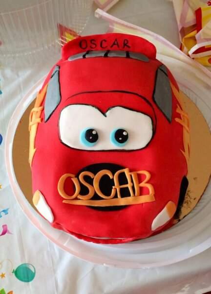 et refermons-là avec ce gâteau dont tous les enfants rêvent et qu'a offert Sylvie Tellier à son fils