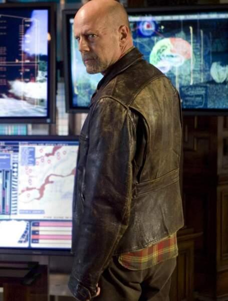 Bruce Willis aime les films d'action ! Les films d'action aiment les doublures de Bruce Willis !