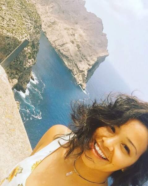 Et sur Instagram, Gina est comme son personnage, Jane Villanueva : pétillante, naturelle et drôle.