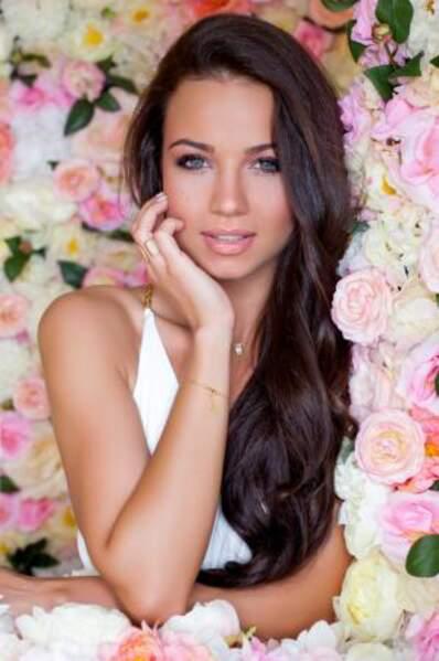 La jolie représentante hongroise s'appelle Daniella Kiss