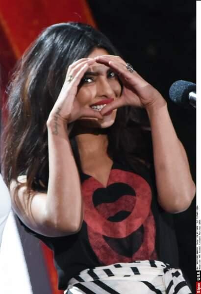 Il n'est pas en forme de cœur mais Priyanka Chopra aussi a choisi l'encre