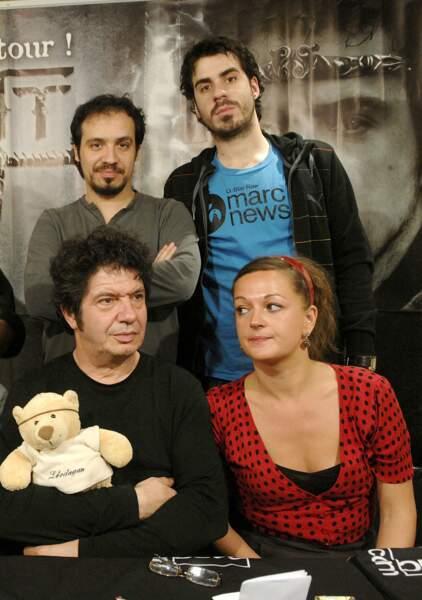 Alexandre, Simon, Lionnel Astier et Anne Girouard (Guenièvre dans Kaamelott)