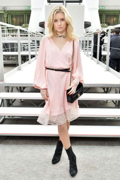 La mannequin Lottie Moss prendra-t-elle bientôt la relève de sa grande sœur Kate Moss ?