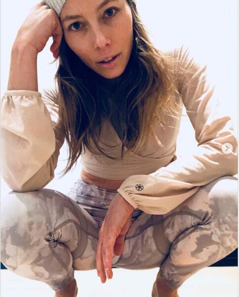 Jessica Biel assume sa mine fatiguée