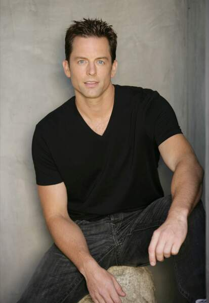Michael Muhney a repris le rôle entre 2009 et 2014