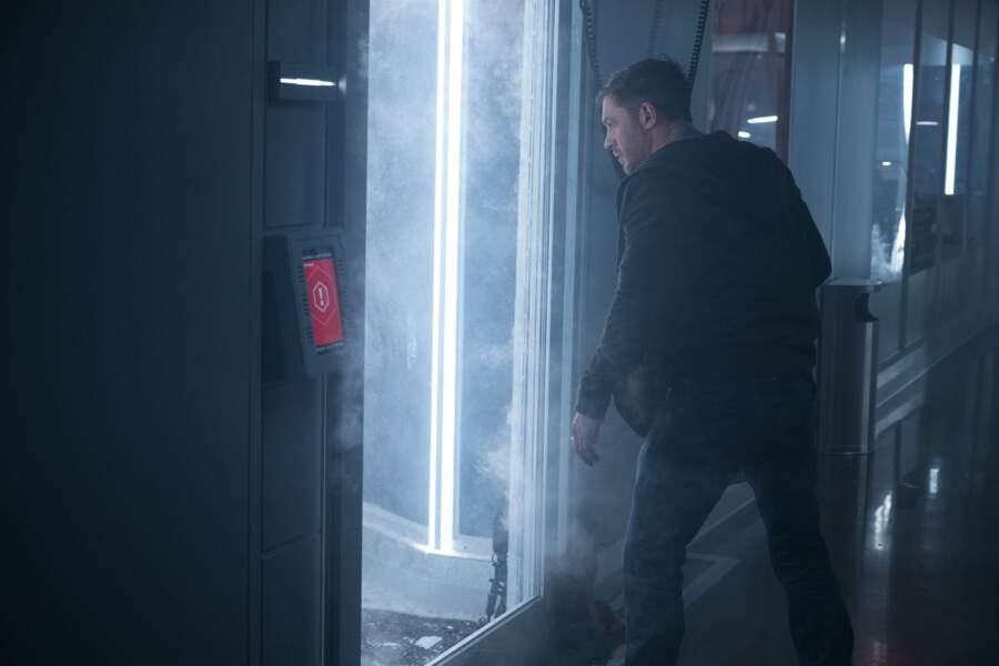 Eddie veut voir ça de plus près et s'introduira clandestinement dans le Laboratoire